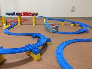 電車と線路のおもちゃ