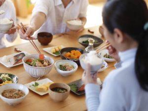 家族で食べる朝食